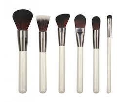 Make up brushes for Fitness Instrutors