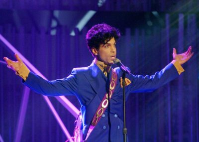 2948991-grammy-and-oscar-winning-recording-artist-prince-performs.jpg.CROP.promo-xlarge2